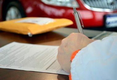 realizar gestiones administrativas y legales